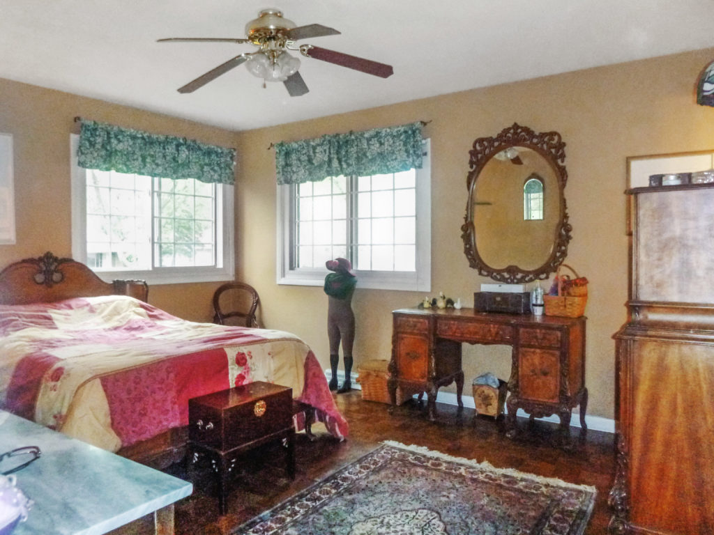 2921 Williams Drive Woodridge Master Bed